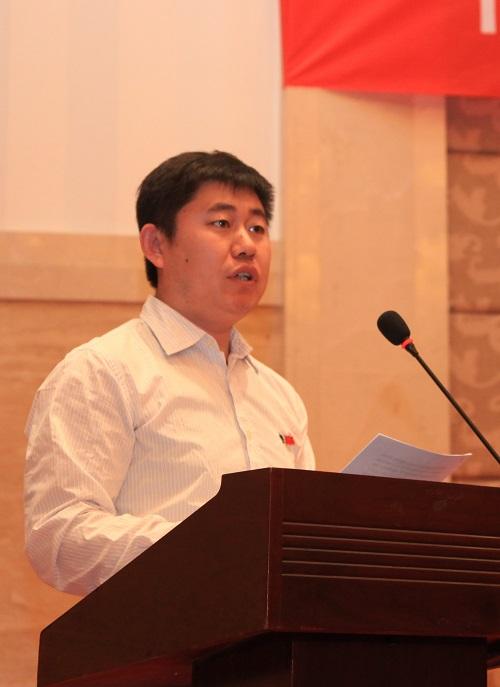 优秀共产党员代表王铁军发言