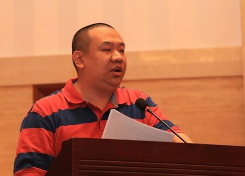 优秀共产党员代表裴智勇发言